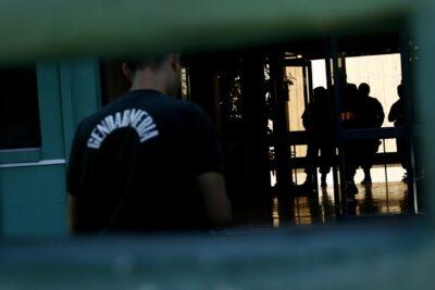 Gendarmería controla intento de motín de internos de la cárcel Colina 1