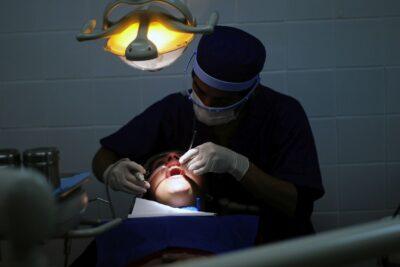 Cuándo ir o no al dentista en medio de la pandemia del coronavirus