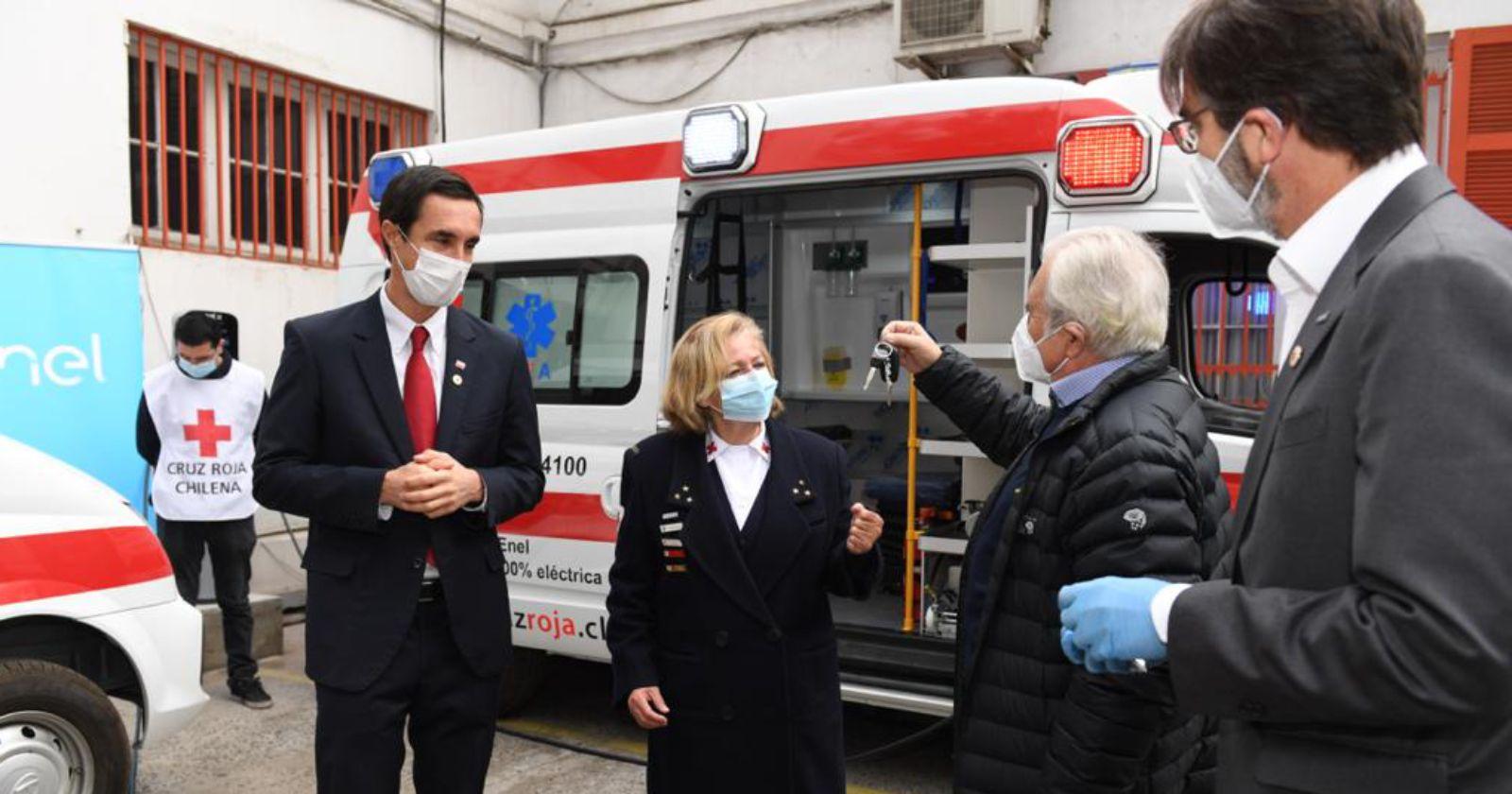 """""""Primeras ambulancias 100% eléctricas de Latinoamérica fueron donadas a la Cruz Roja"""""""