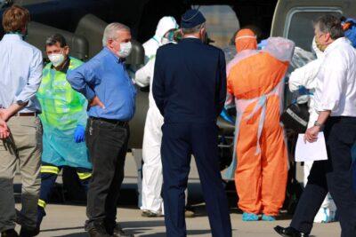 Dos pacientes COVID-19 fueron trasladados en helicópteros FACh a Talca