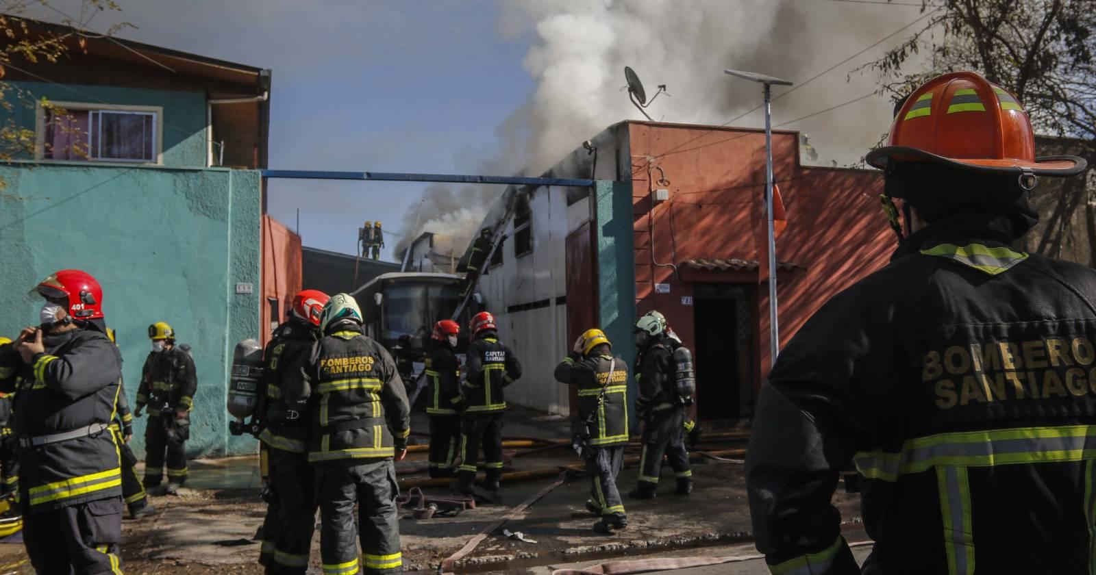 Incendio afecta a cité en comuna de Estación Central