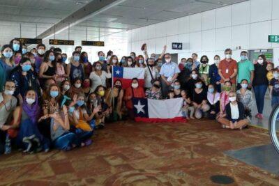 Llegó vuelo con 248 chilenos que permanecían varados en Asia y Oceanía