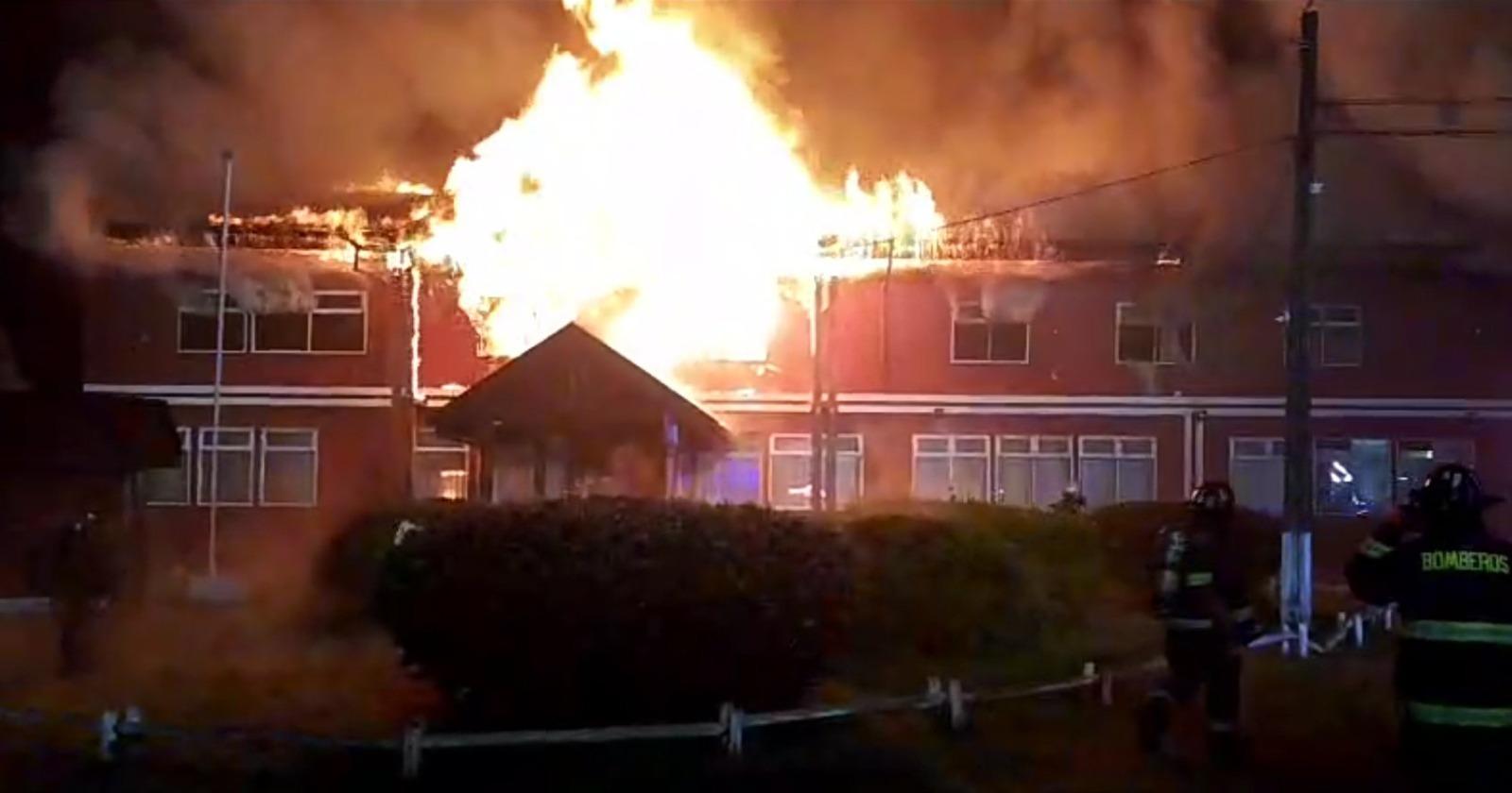 """""""Osorno: incendio destruyó por completo hogar de menores"""""""
