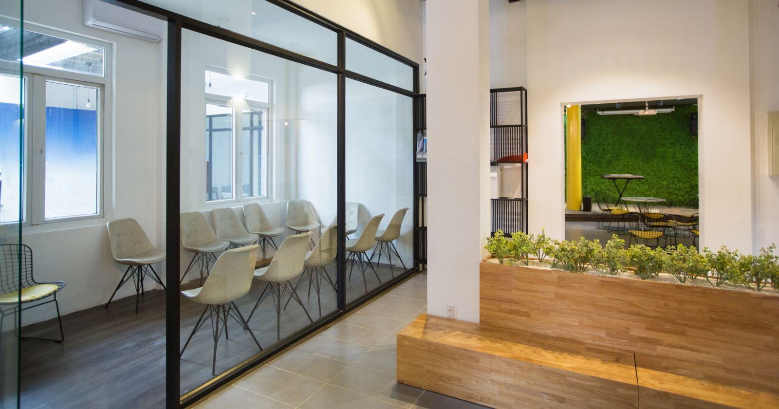 ¿Podemos predecir cuando una empresa se va a cambiar de oficina?