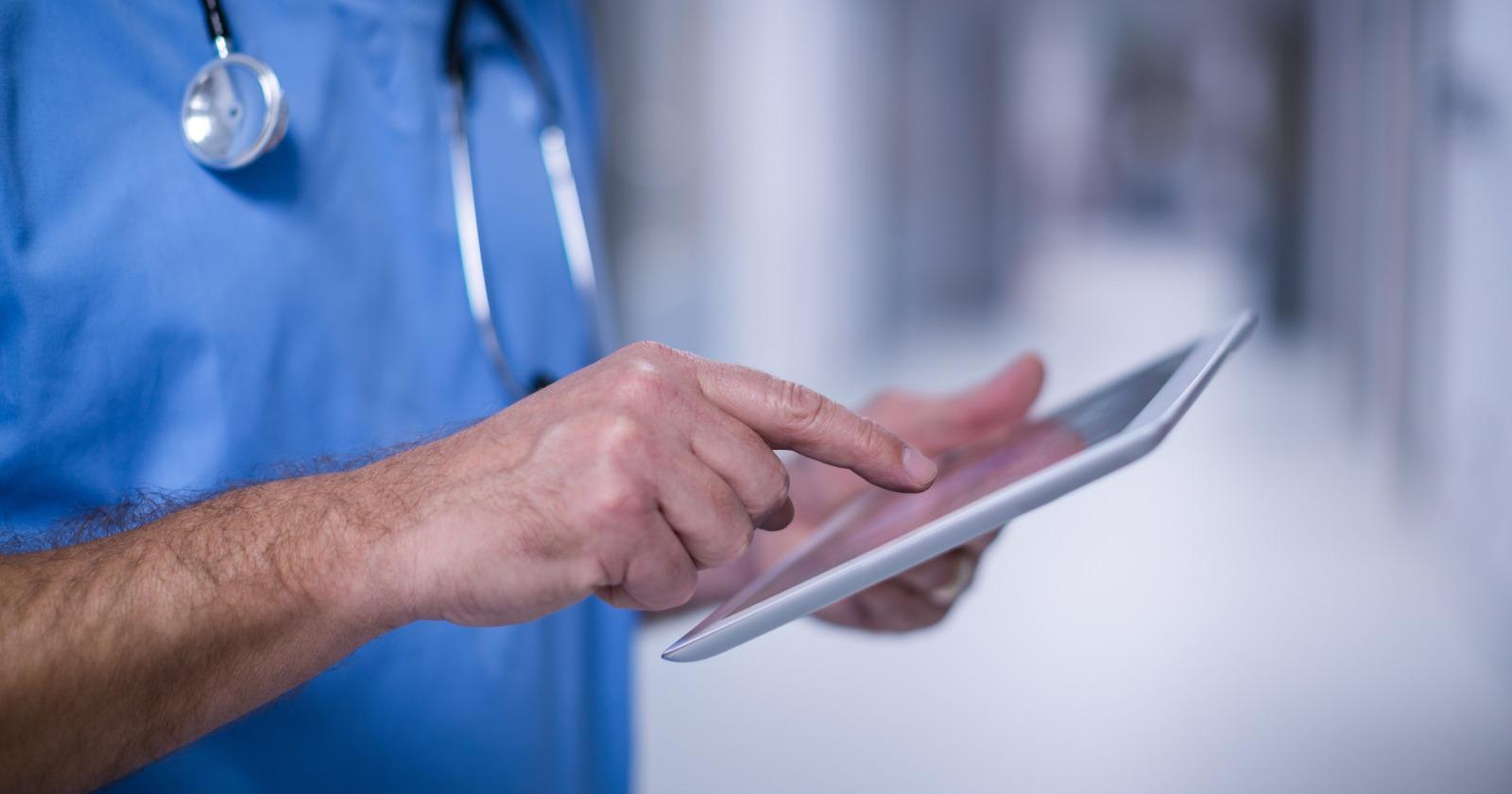 Las razones tras la escasez de cupos en universidades para formación de médicos especialistas