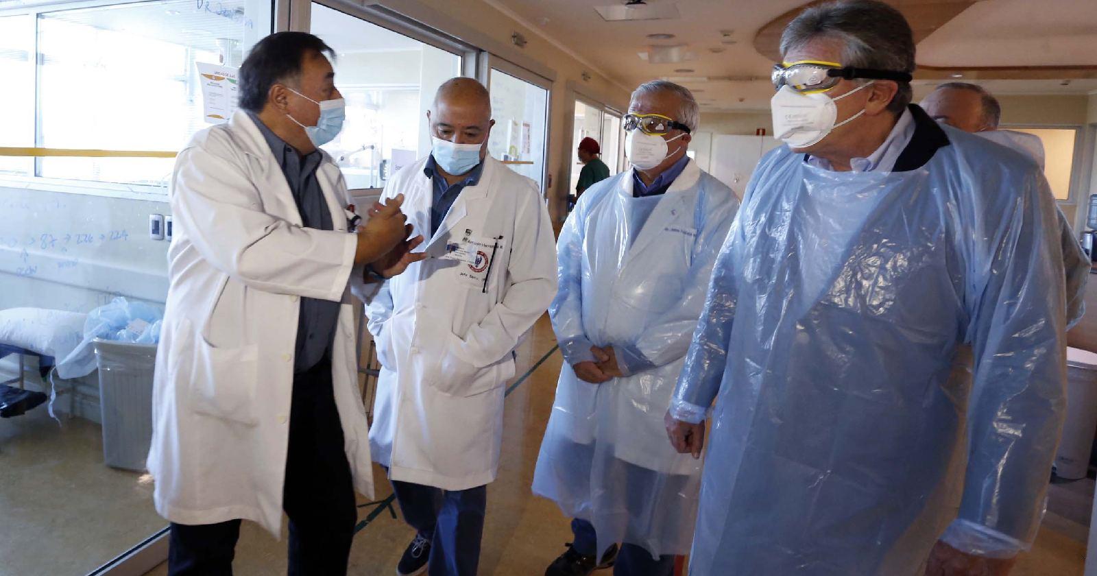 Autoridades constatan el aumento de camas críticas del Hospital Militar