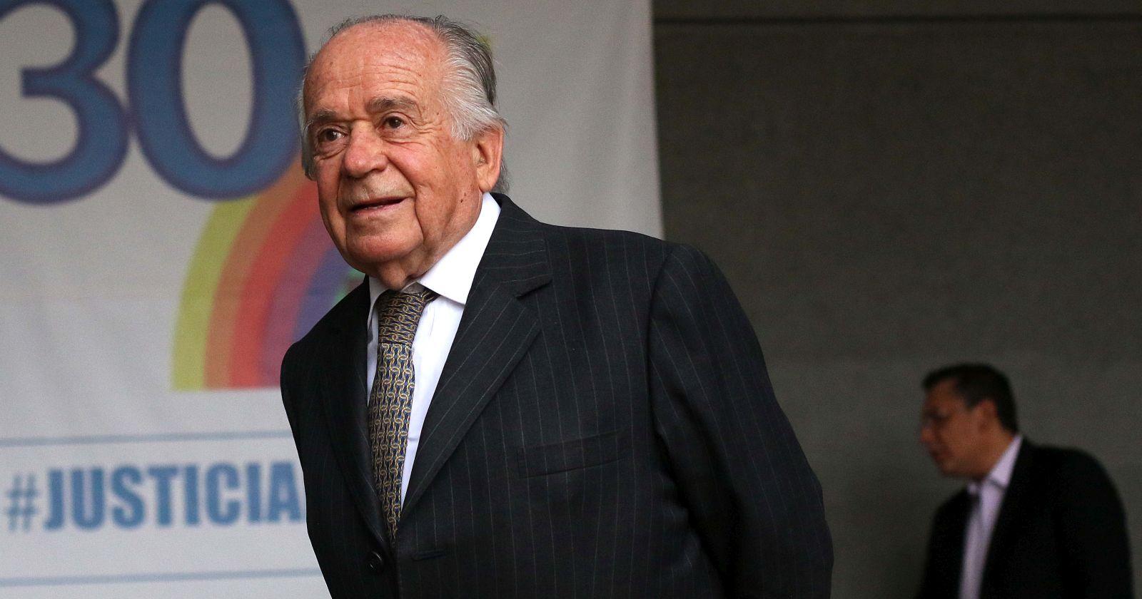 Ex senador Andrés Zaldívar está en cuarentena por contacto con familiar COVID-19 positivo