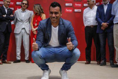 """Esteban Paredes: """"Para mí el récord está listo y fue en cancha"""""""