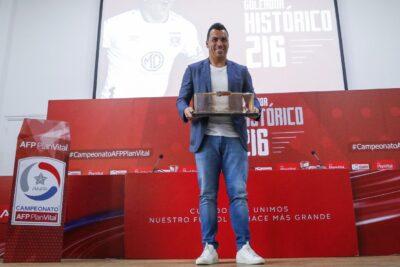 """""""Nunca demandaría a la ANFP por un gol"""": Esteban Paredes rechazó la judicialización de su récord goleador"""