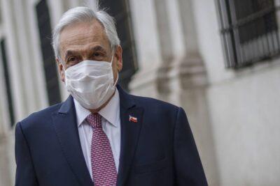 """Científicos y especialistas publican carta a Piñera: piden evitar una """"catástrofe nacional"""""""