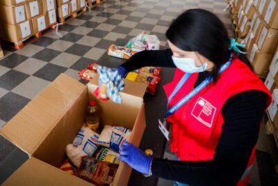 Interponen denuncia en Contraloría por entrega de canastas alimenticias de la Junaeb
