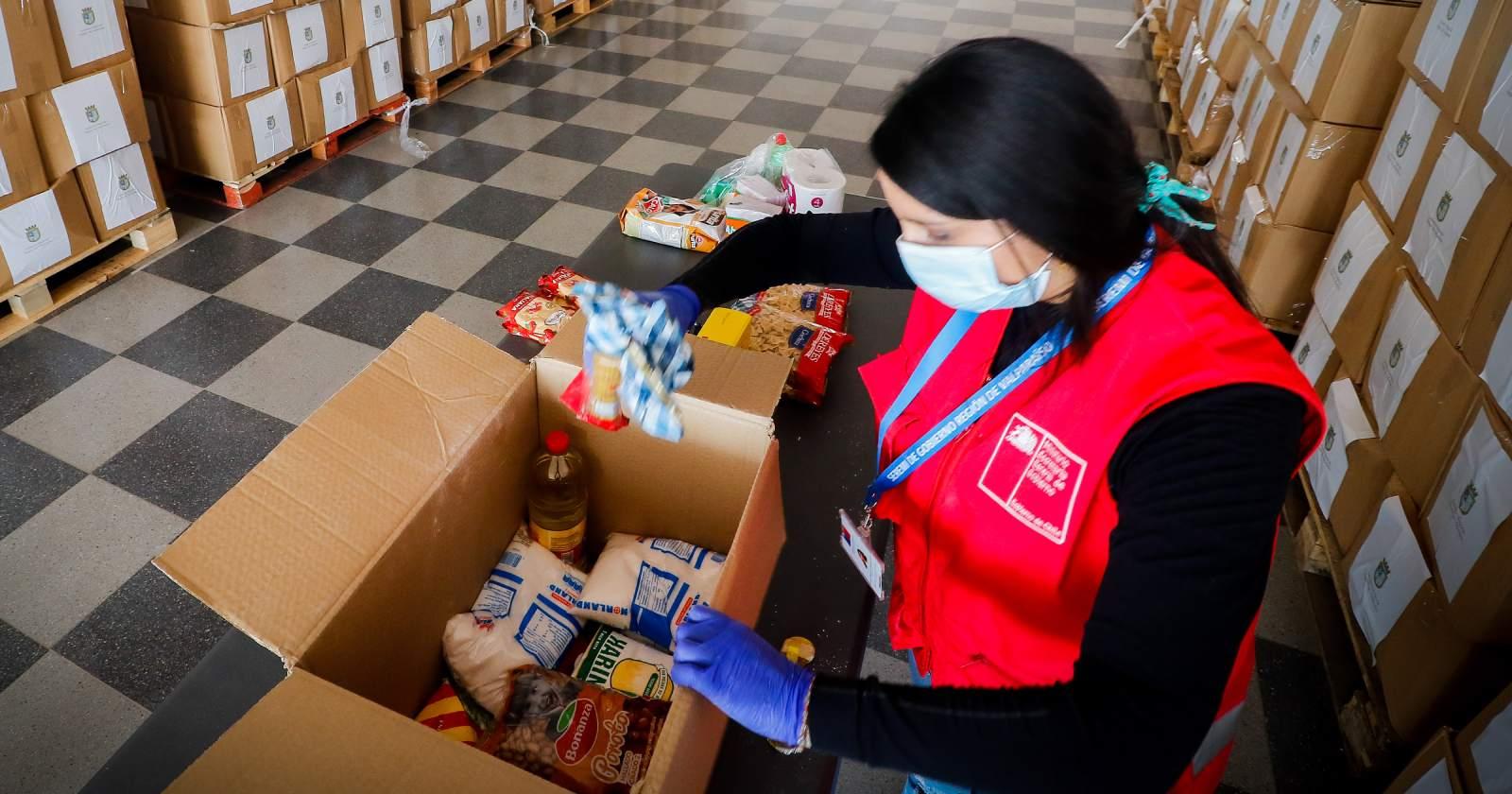 Interponen denuncia en Contraloría por canastas alimenticias de la Junaeb