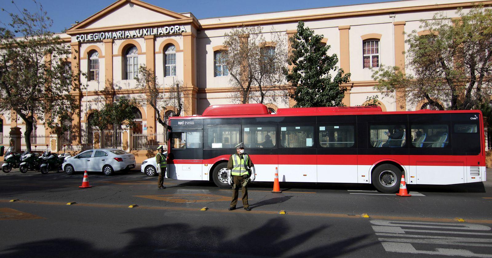 Gobierno anuncia restricciones y nuevo permiso obligatorio para trabajadores durante cuarentena