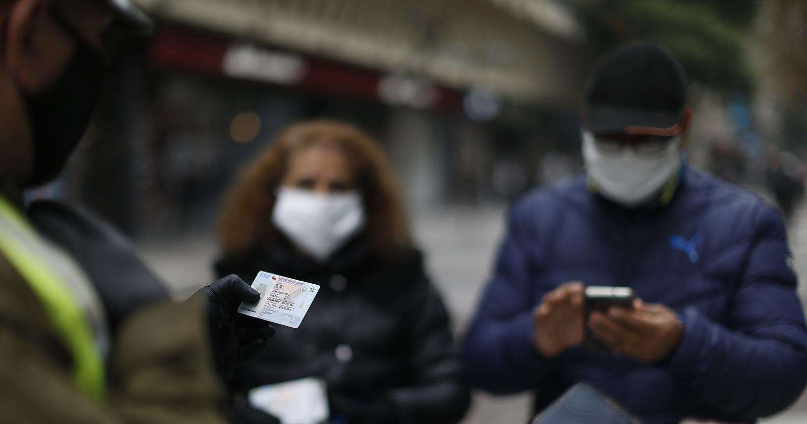 Permiso Colectivo pone en alerta a Carabineros: investigan falsificaciones