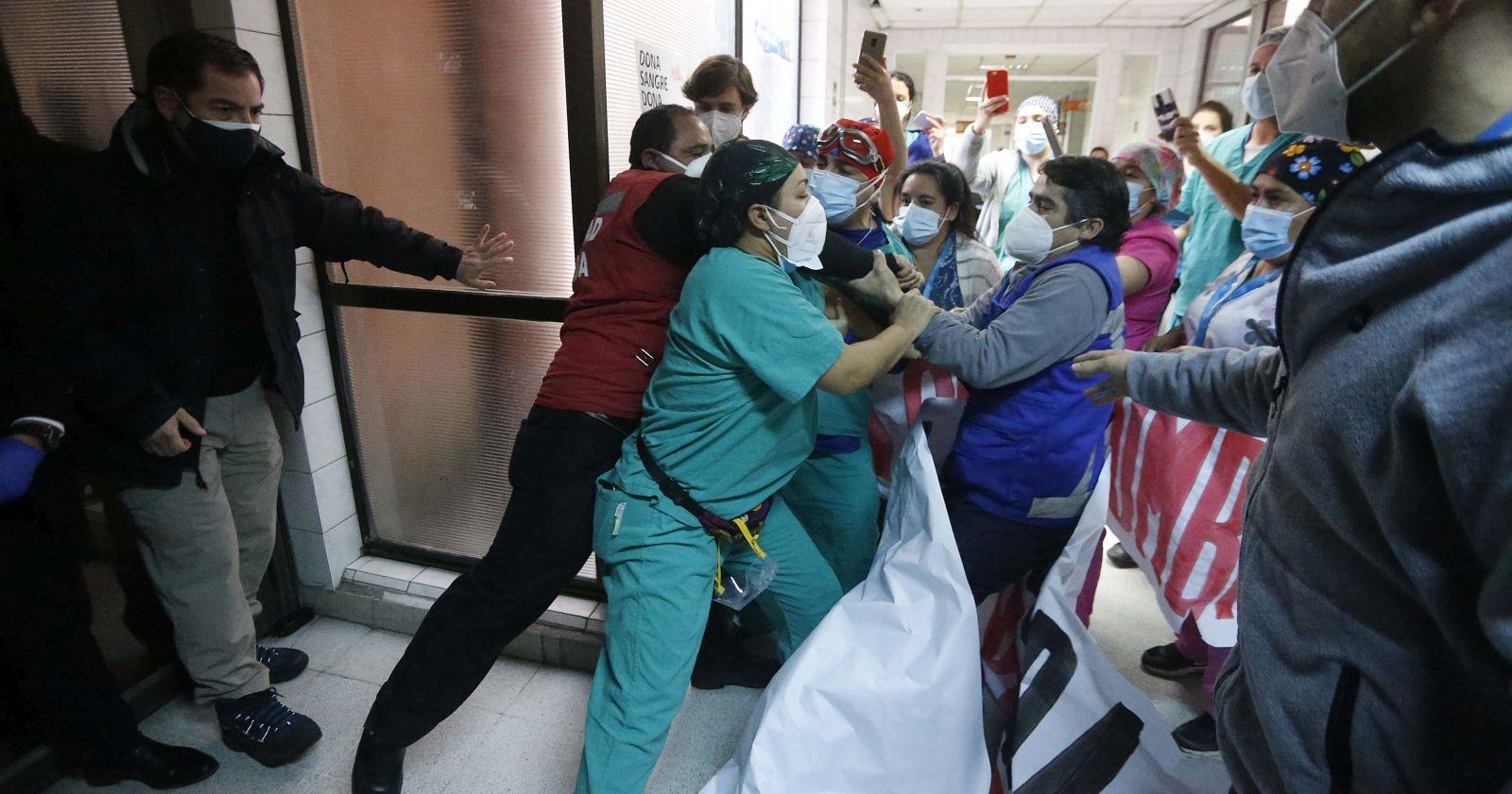 """""""Ministro Paris visita el Hospital San José en medio de protestas de funcionarios"""""""