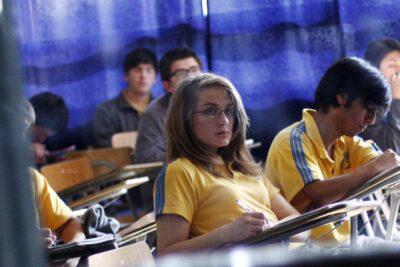 Prueba que reemplazará al Simce se aplicaría en cerca de 200 colegios