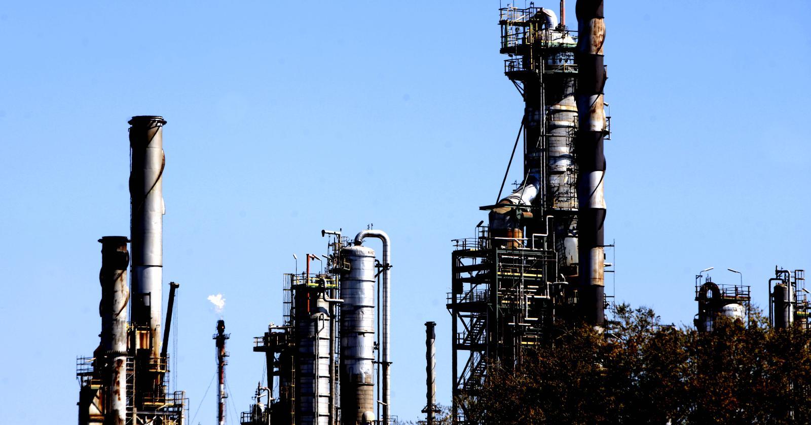 """""""La crisis que viven las refinerías en el mundo y que agravó la pandemia del coronavirus"""""""