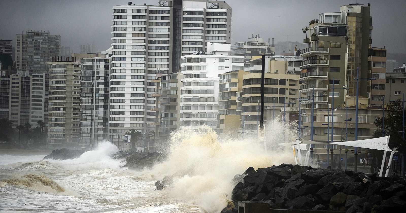 """""""Emiten aviso especial de marejadas desde Arica hasta el Golfo de Penas"""""""