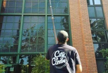City Clean: el moderno servicio de limpieza de vidrios y de sanitización