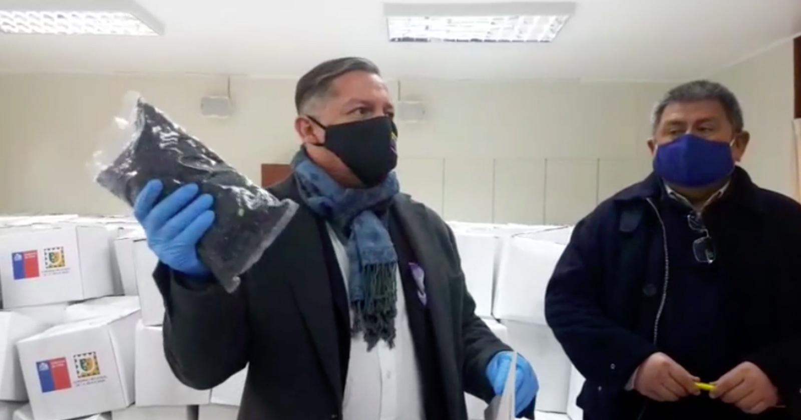 """""""La historia de por qué la Municipalidad de Pitrufquén rechazó 1.200 cajas de alimentos"""""""