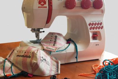 Lanzan plataforma electrónica que ofrece al mercado mascarillas de material reciclado