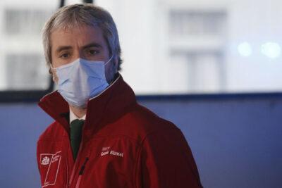 """Blumel defiende gestión del Gobierno durante la pandemia tras crítica de Bloomberg: """"No hay guión perfecto"""""""