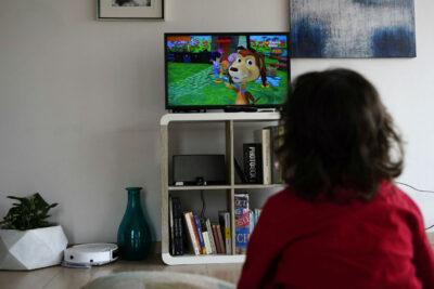 CNTV: consumo de televisión en cuarentena alcanza las 7 horas