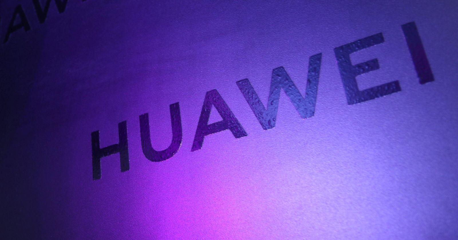 Reino Unido ordena el retiro de las redes 5G de Huawei para 2027