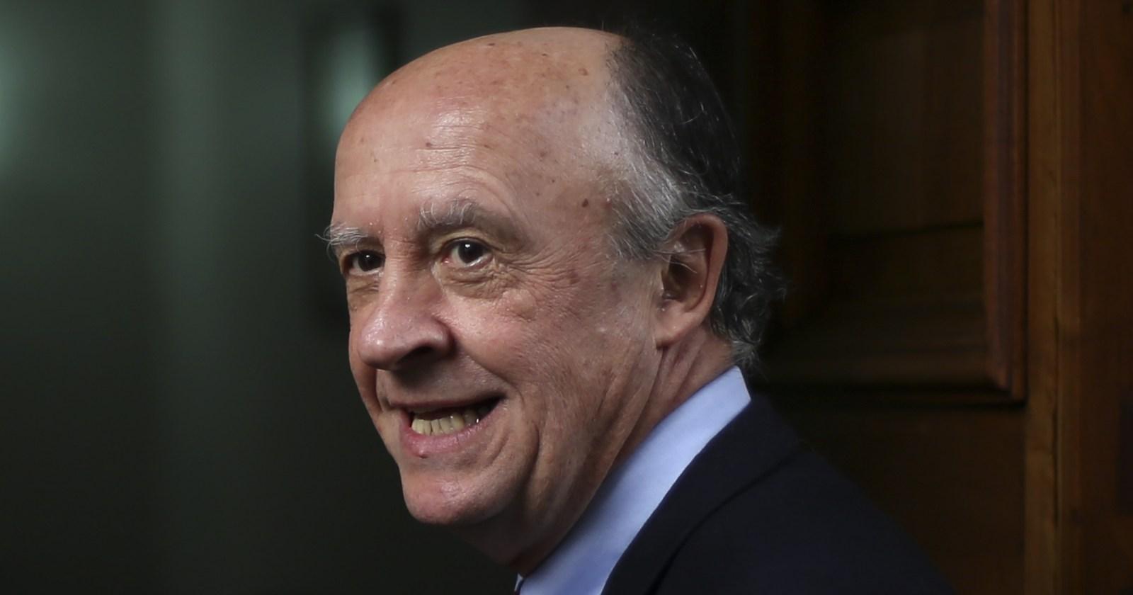 """Diputado RN acusa presiones de Larroulet: """"Todos sabemos cómo opera en las sombras"""""""
