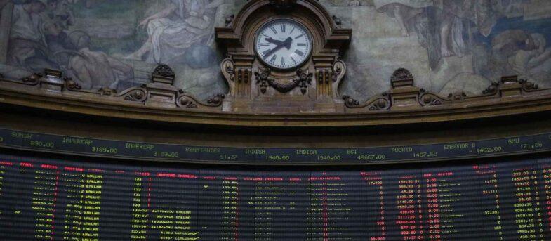 Bolsa de Santiago se desploma por efecto del retiro de fondos de la AFP