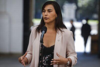 """Izkia Siches arremete contra mensajes de leve mejoría: """"Pueden causar que nuevamente la ciudadanía relaje las medidas"""""""