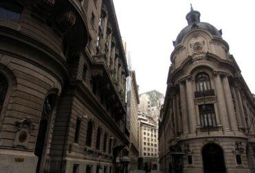 Bolsa de Santiago se derrumba tras aprobación en particular del retiro de fondos