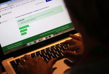 """El RUT de la venganza: la polémica """"pitanza virtual"""" que bloquea los permisos temporales"""