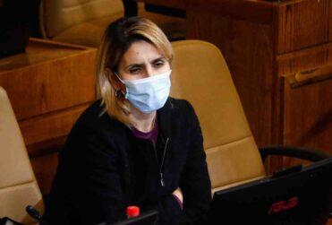 """""""Sé lo que es pasar hambre"""": el emotivo discurso de Erika Olivera en favor del retiro de fondos"""