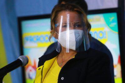 """Alcaldesa Cathy Barriga afirma que es """"evidente"""" que no se retomarán las clases presenciales en Maipú"""