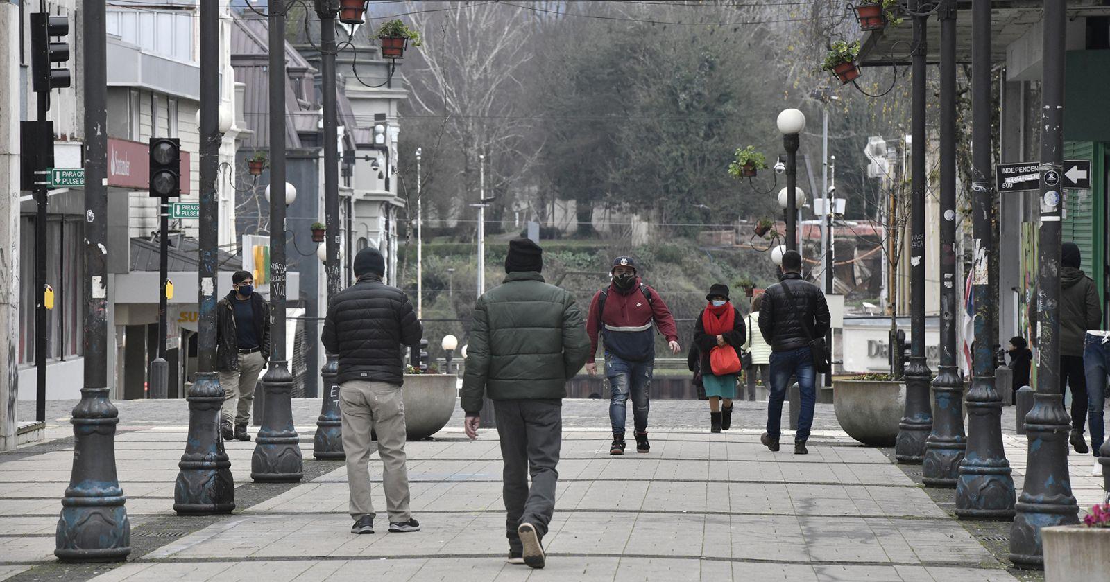 """Ministro Paris por los casos nuevos en Los Ríos y Aysén: """"Se ha cumplido la trazabilidad"""""""