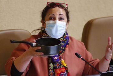 VIDEO–Diputada caceroleó mientras argumentaba su voto por el retiro del 10% de los fondos