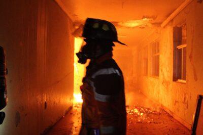 ¿Quiénes están quemando las escuelas rurales en el Biobío?