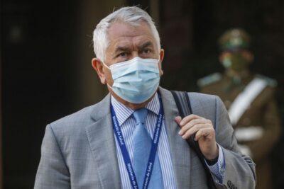 """Ministro Paris por el plebiscito: """"No nos compete pedir la postergación o el cambio"""""""
