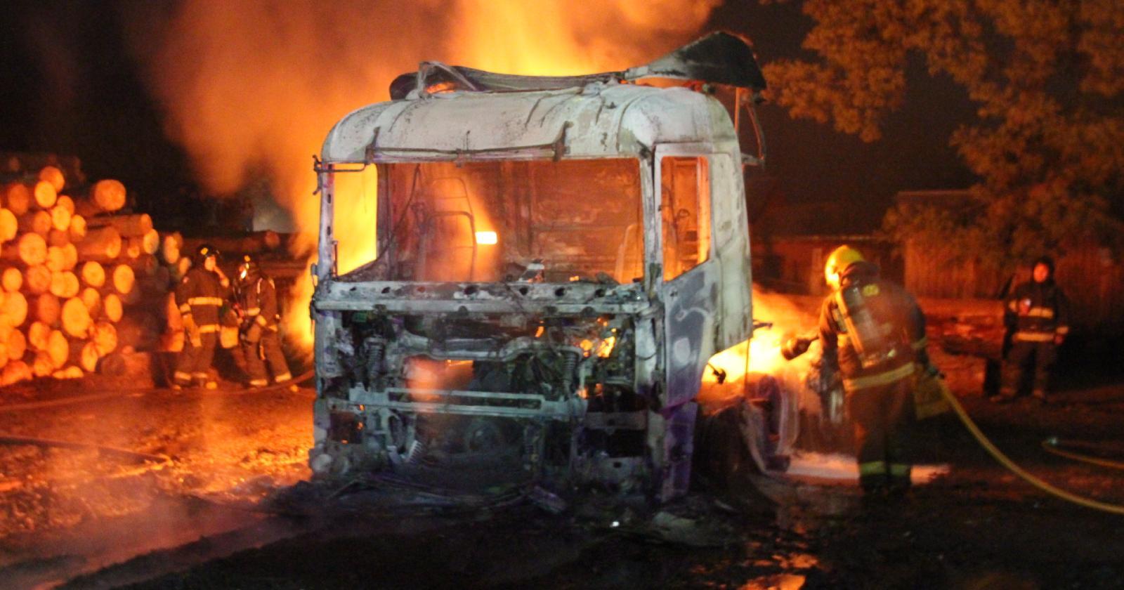 Empresa cifra en $1.000 millones los daños en ataque incendiario en Arauco