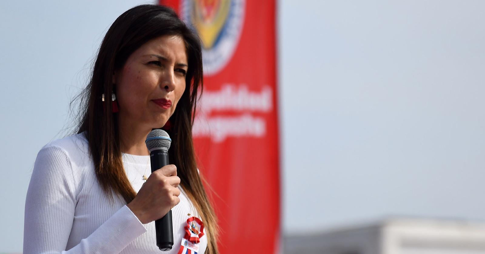 """""""Municipalidad de Antofagasta confirma que alcaldesa Karen Rojo fue suspendida de sus funciones"""""""