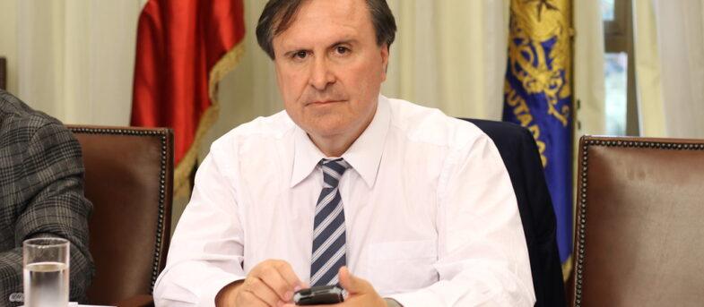 Diputado Moreira llora y colapsa en el Congreso: culpan a presiones del Gobierno