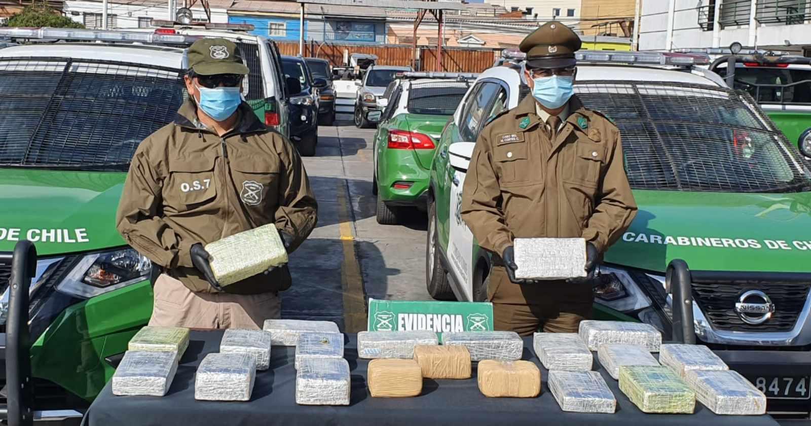 Portaba más de 52 mil dosis: detienen a taxista que distribuía drogas en Alto Hospicio