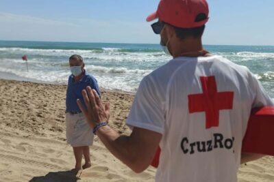 """La OMS advierte que el coronavirus es una """"gran ola"""" y no una pandemia estacional"""