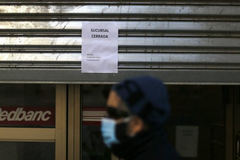 Duro golpe a la economía chilena: Imacec de mayo cae 15,3% por la pandemia