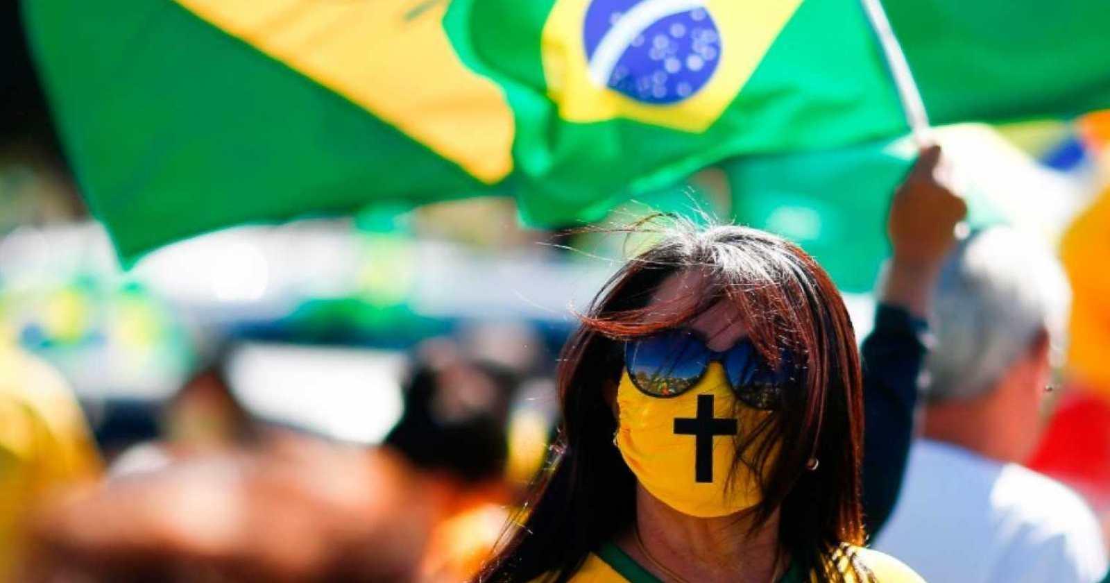 """Alcalde de Itabuna en Brasil anuncia apertura del comercio """"muera quien muera"""""""