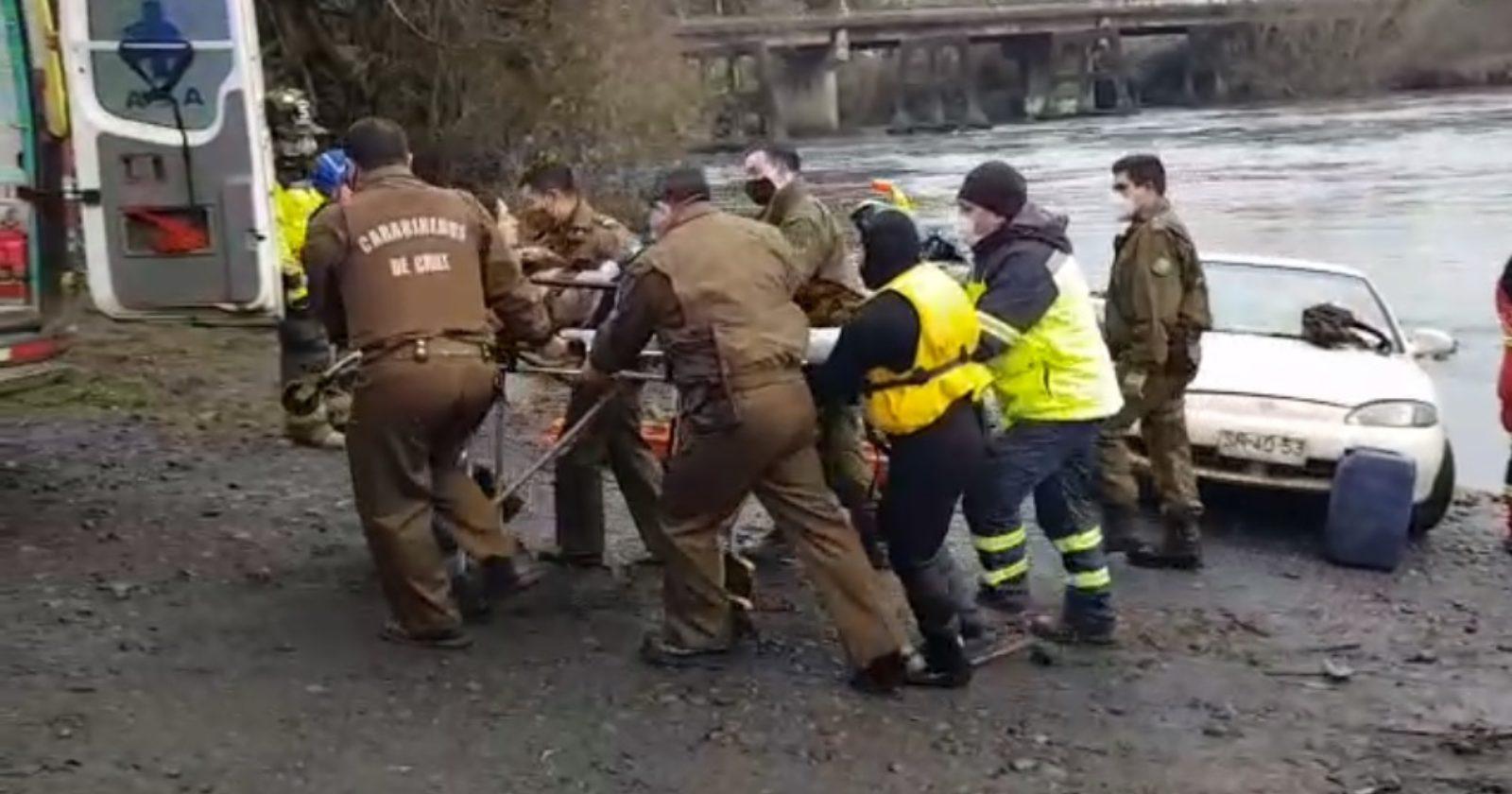 """""""Tenía hipotermia: rescatan a mujer que cayó al río Rahue en Osorno"""""""