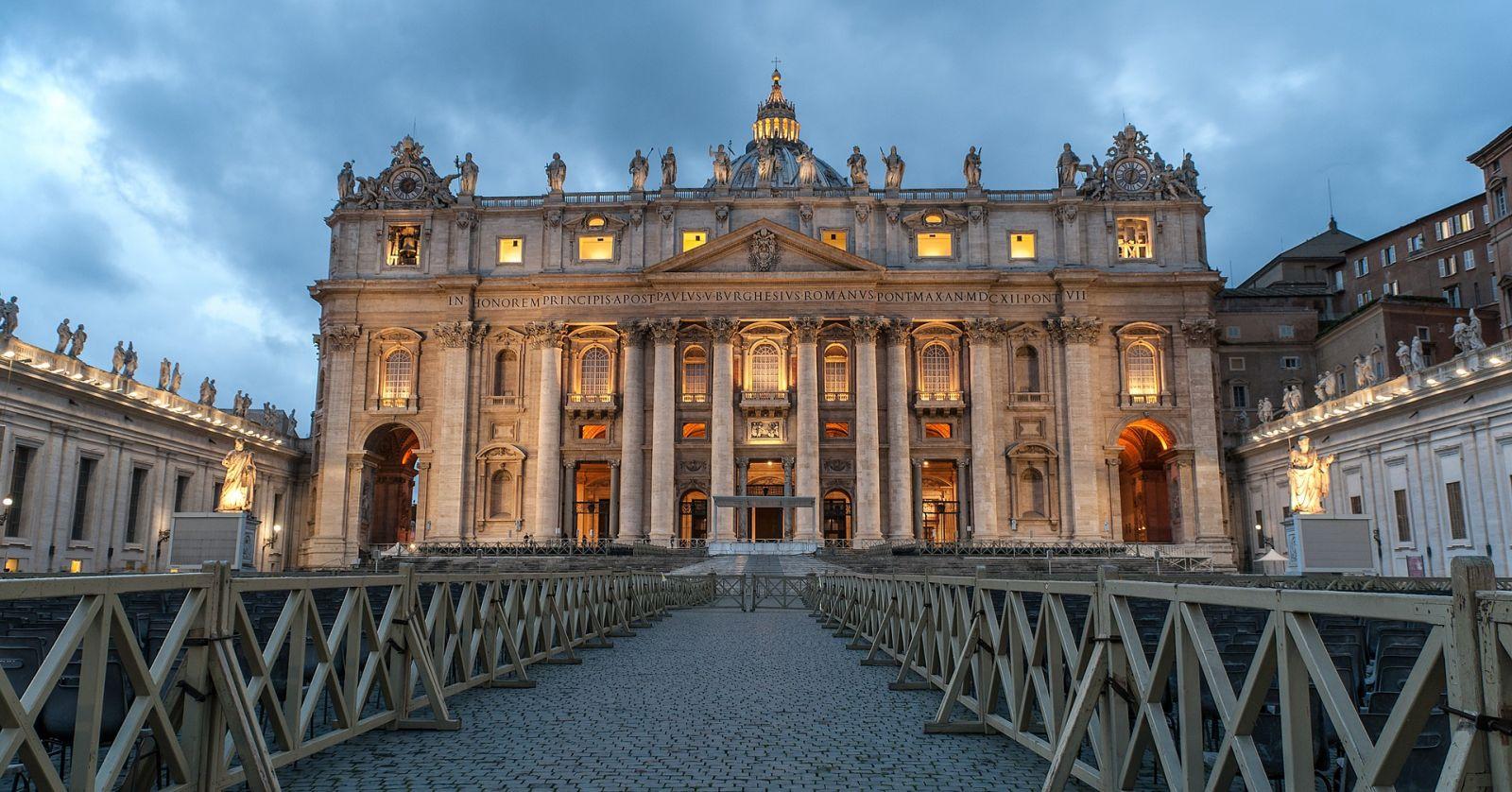 """""""Vaticano publicó manual para tratar casos de abusos sexuales a menores"""""""
