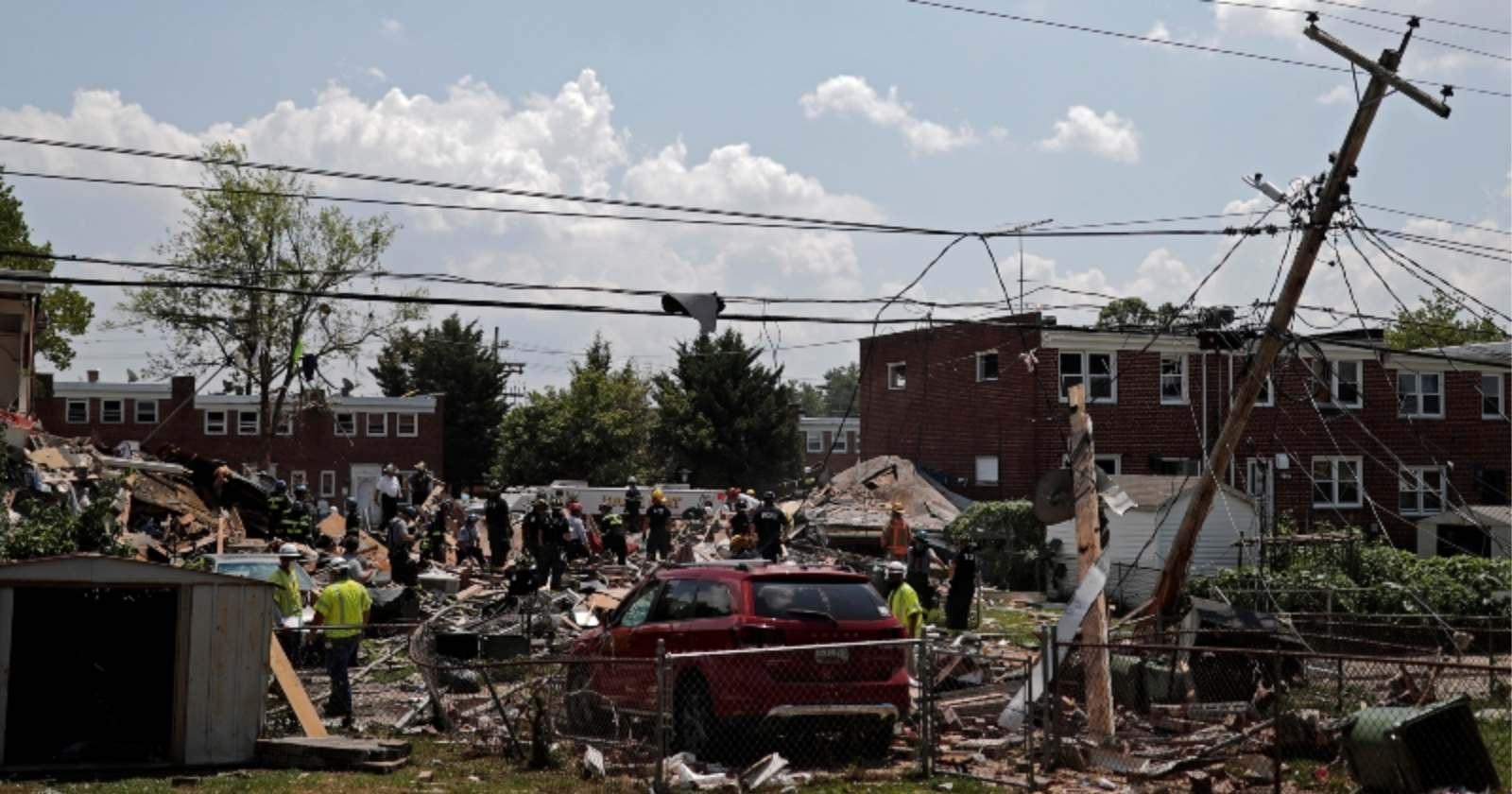 Explosión de gas destruye tres edificios en Estados Unidos y deja al menos un muerto