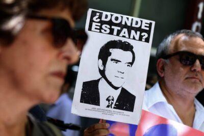 Quiénes son los dos violadores de DD.HH. que recibieron el indulto de Piñera